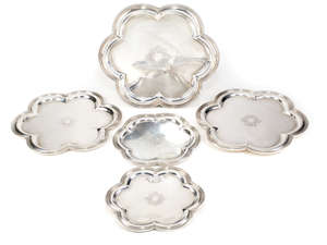 20  A set of five Italian silver coloured plates by Cacchione Fratelli, retailed by Ventrella, Rome